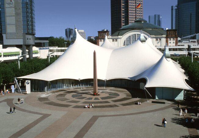 BMW Pavillon