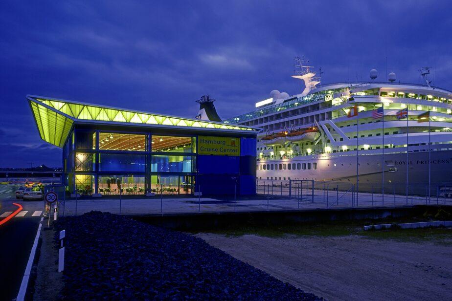 Wood / Cruise Center - 2