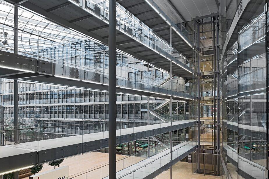 Office Buildings / Serono 3