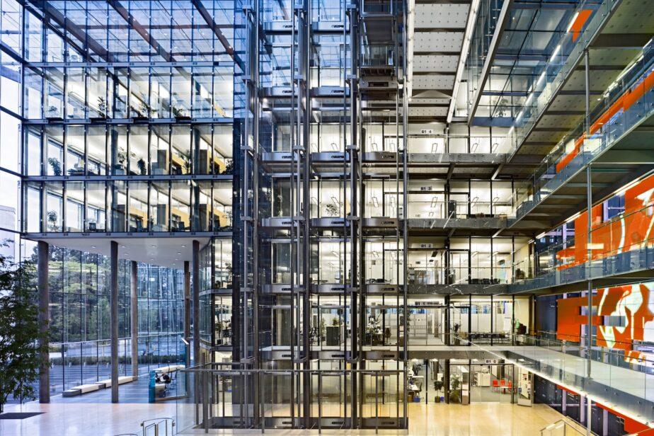 Office Buildings / Serono 6
