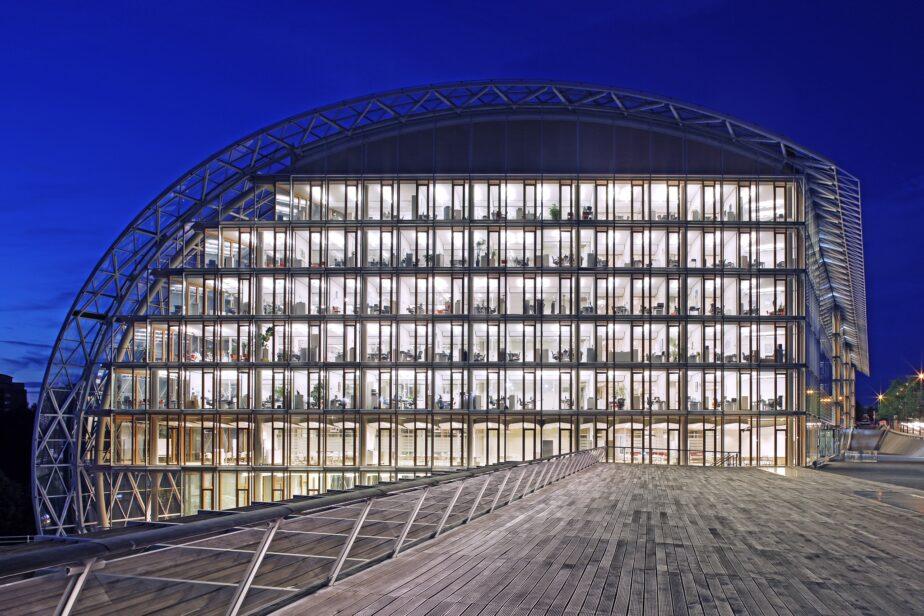 glass / EIB Luxemburg -7